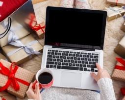 Cum sa faci cumparaturi online in siguranta si ce inselatorii sa eviti de sarbatori